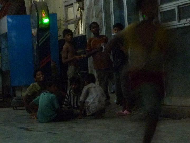 kids at the New Jalpaiguri train station