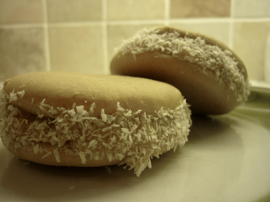 alfajores local food from argentina